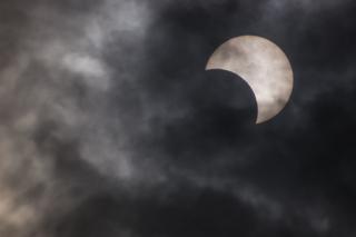 金冠日食9